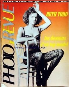 Beth Todd-Photo Revue-França.jpg