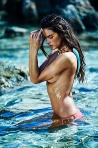 Alessandra-Ambrosio-Sexy-3-1.jpg