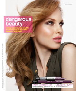 Nylon-Covergirl2_Oct10.thumb.jpg.1a9ea1fcf2c0828310d3b5a2547ab04e.jpg