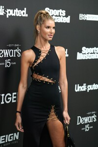 ashley-haas-sports-illustrated-super-bowl-liv-party-02-01-2020-2.jpg