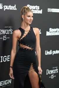 ashley-haas-sports-illustrated-super-bowl-liv-party-02-01-2020-6.jpg