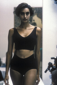 dolce-gabbana-ss-1989.thumb.jpg.00467847d4c38a3fcc33a22e407dcd6c.jpg