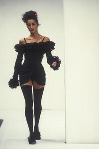 dolce-gabbana-ss-1992-2.thumb.jpg.a7bdc613c74c96ff81d1798904f44d3c.jpg