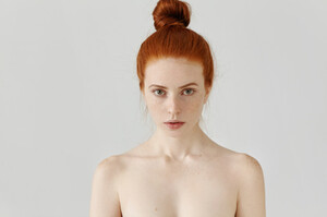 isolated-portrait-beautiful-young-caucasian-redhead-woman-with-hair-bun-perfect-clean-skin-with-frec-es-standing-grey-wall-with-shoulders-naked_273609-517.thumb.jpg.588f02866f5aed261461ff447628d65c.jpg