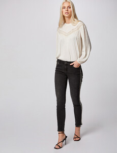jeans-slim-taille-basse-a-bandes-strass-gris-clair-femme-or-32536300847690101.jpg