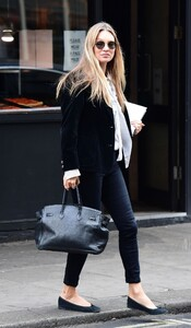 kate-moss-out-and-about-in-london-04-22-2021-5.jpg