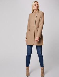 manteau-cintre-avec-details-bijoux-beige-femme-d2-32536300847880202.jpg