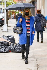nicky-hilton-out-in-new-york-04-12-2021-6.jpg