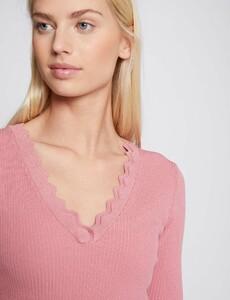 pull-manches-courtes-avec-bord-festonne-rose-femme-d1-32536300856970503.jpg