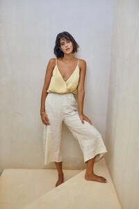 saint-body-2020-summer-essentials_14.thumb.jpeg.d331e460ea634647b33dd82227c6b7b1.jpeg