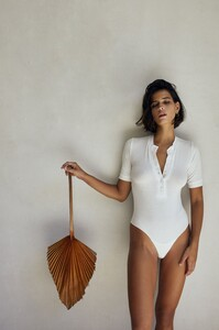 saint-body-2020-summer-essentials_5.thumb.jpeg.008722c0e242481da12b95c18b3a120b.jpeg
