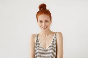 young-redhead-woman-posing_273609-12894.thumb.jpg.3d2d4543e6a6e61d05c96fa9acc93b83.jpg