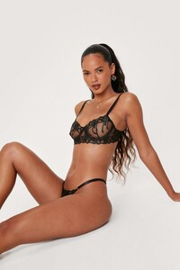 black-floral-scallop-underwire-lingerie-set (2).jpg