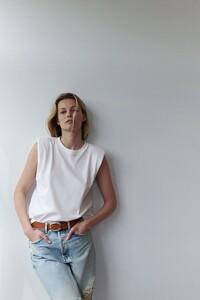 1-Edita+Vilkeviciute+by+Annemarieke+van+Drimmelen+Zara+Home+Summer+2021+(2).jpg