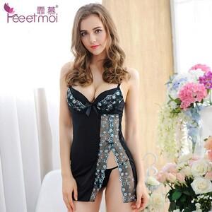 2091628079_Bordado-de-encaje-Sexy-Lencera-ertica-mujer-caliente-transparente-vestido-con-cuello-en-V-lencera-Sexy-ropa-de-dormir-ropa-sexo-VAVL881031-tyb0.thumb.jpg.372d791c3c58e3a266bf7cd897728875.jpg