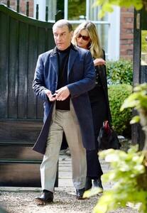 kate-moss-in-a-long-black-coat-and-dark-sunglasses-london-05-19-2021-5 (1).jpg