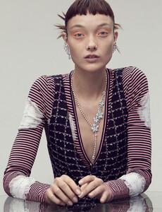 Marcus-Ohlsson-Vogue-Hong-Kong-Yumi-Lambert-1.jpg