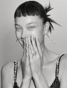 Marcus-Ohlsson-Vogue-Hong-Kong-Yumi-Lambert-3.jpg