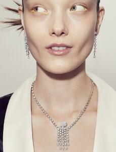 Marcus-Ohlsson-Vogue-Hong-Kong-Yumi-Lambert-6-785x1024.jpg