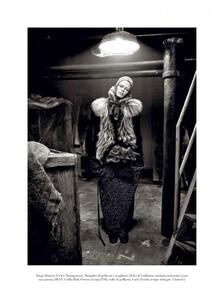 Meisel_Vogue_Italia_October_2011_08.thumb.jpg.1934450d02993b3c6bf4ef35e4239e9e.jpg
