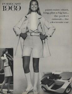Penati_US_Vogue_January_1st_1969_23.thumb.jpg.3f99fa95a253b37596f37d6721356965.jpg