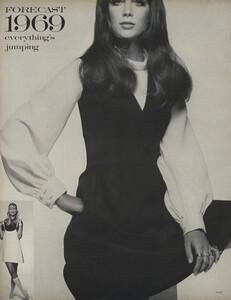 Penati_US_Vogue_January_1st_1969_25.thumb.jpg.e41566b7c68e911047127d1bc33de1da.jpg