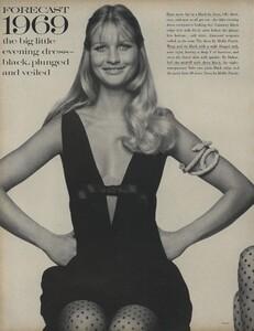 Penati_US_Vogue_January_1st_1969_31.thumb.jpg.ecbe4825b94f5f67d157061585b16ce1.jpg