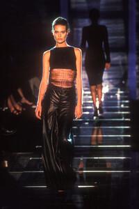 atelier-versace-fw-1998-2.thumb.jpg.8dfd0b7e47969e2ed5b14526f5f54349.jpg