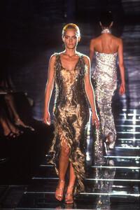 atelier-versace-fw-1998.thumb.jpg.bd66721da9ffaac89c0c041b18a31cb1.jpg