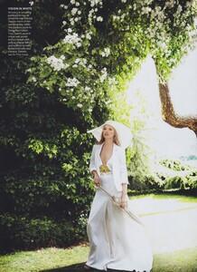 KM_Testino_US_Vogue_September_2011_13.thumb.jpg.937f40f9c25d5f4baf731860d33b463a.jpg