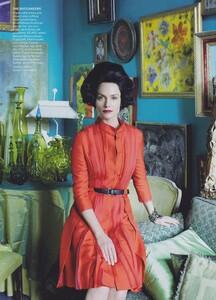 Meisel_US_Vogue_May_2010_02.thumb.jpg.45bfe2629534d99d6cd807d19c30323e.jpg