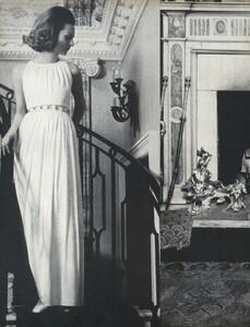 Waldeck_US_Vogue_April_15th_1968_03.thumb.jpg.7854784fa059b74e0c8649a81127ca6c.jpg