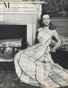 Waldeck_US_Vogue_April_15th_1968_04.thumb.jpg.5cd998cc4e4b3e9be395148d01bdc437.jpg