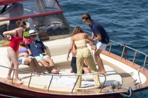 taylor-hill-in-bikini-at-a-boat-in-positano-06-27-2021-0.jpg