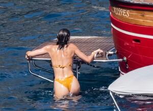 taylor-hill-in-bikini-at-a-boat-in-positano-06-27-2021-8.jpg