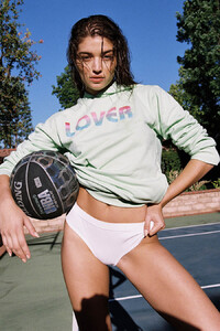 Daniela-Lopez-Osorio-by-Brooke-Olimpieri-10.thumb.jpg.b312c46f57f3ffe88be238747a47d815.jpg
