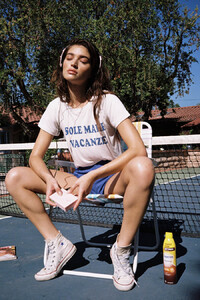Daniela-Lopez-Osorio-by-Brooke-Olimpieri-12.thumb.jpg.870f8a61f0097a0ad3a597a1f108b5f8.jpg