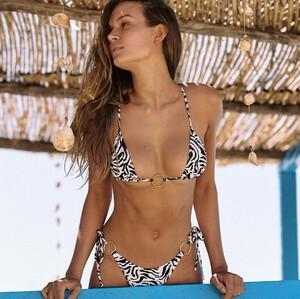 bikinilovers_212733429_331410228701117_2215730025641457899_n.jpg