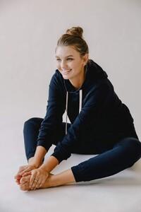 vitamin-a-brands-swimwear-vitamin-a-black-ecosoft-emery-fleece-hoodie-15932763668568_720x.thumb.jpg.94e1b78f7a02cd218704301a4400c92a.jpg