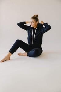 vitamin-a-brands-swimwear-vitamin-a-black-ecosoft-emery-fleece-hoodie-15932763734104_720x.thumb.jpg.43da458c30d1c4215dae0a1bd24011a5.jpg