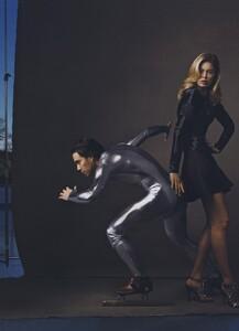 Dream_Leibovitz_US_Vogue_April_2008_11.thumb.jpg.33e4546d5c383fd37c00f45de2b8cf85.jpg