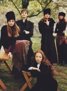 Independents_Meisel_US_Vogue_September_1993_04.thumb.jpg.a65a96f1c2eafc57c5e71af14a3d35da.jpg