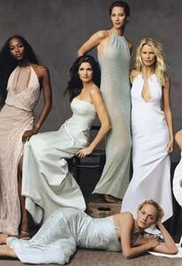 Leibovitz_US_Vogue_November_1999_Cover_02.thumb.jpg.5bab0bca516b214a78acf91936e48469.jpg