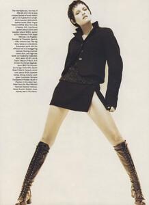 Short_Ritts_US_Vogue_October_1993_04.thumb.jpg.20d1ccb022a77561a33a9cc1e71d925e.jpg