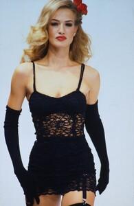 dolce-gabbana-ss-1992 (1).jpg
