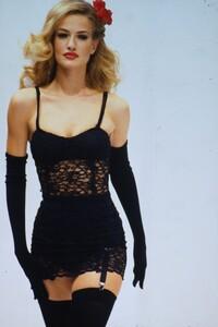 dolce-gabbana-ss-1992 (3).jpg
