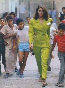 Adventure_Piel_US_Vogue_December_1987_09.thumb.jpg.2fdb0116761d84b73e387aa8aa4a9d43.jpg