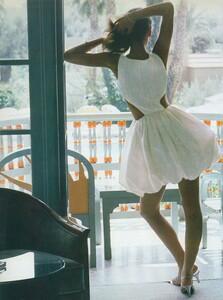 Adventure_Piel_US_Vogue_December_1987_11.thumb.jpg.f178db8fa091a0ac380871037e2a3775.jpg