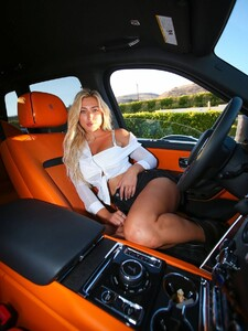 Stefanie-Gurzanski---Baby-G-in-a-bikini-in-Los-Angeles-08.jpg