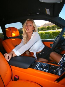 Stefanie-Gurzanski---Baby-G-in-a-bikini-in-Los-Angeles-38.jpg